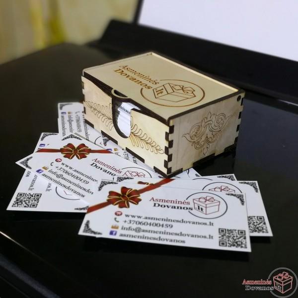 Medinė dėžutė vizitinėms kortelėms