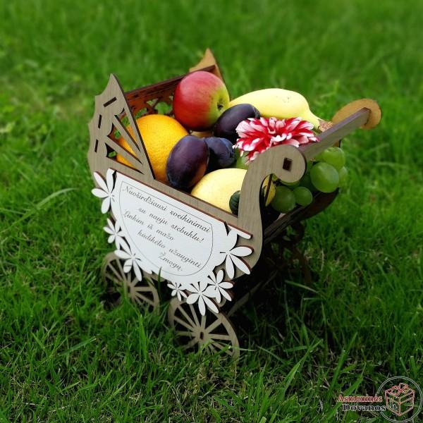 Vežimėlis - dovanų krepšelis