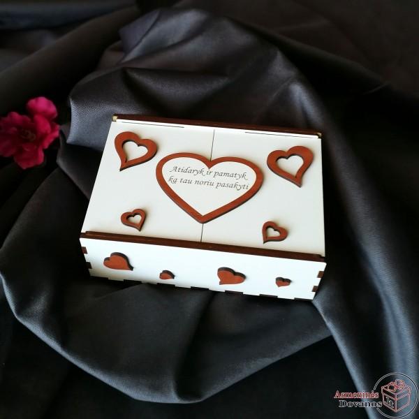 """Dėžutė """"Iš širdies"""""""