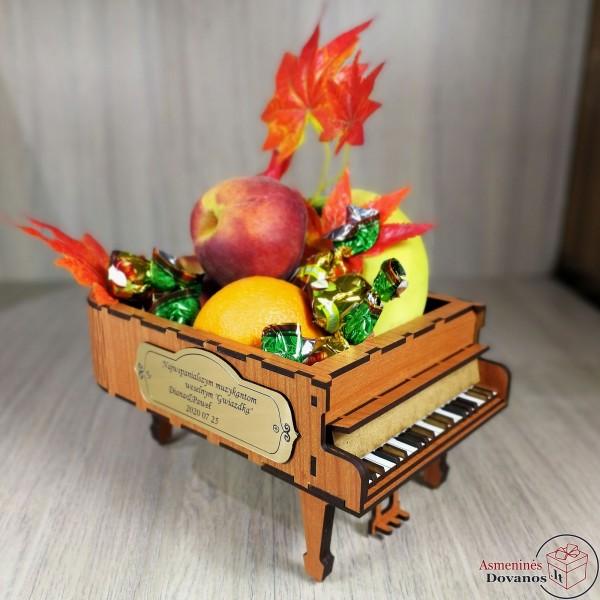 Pianinas - krepšelis dovanoms, gėlėms dovanoti