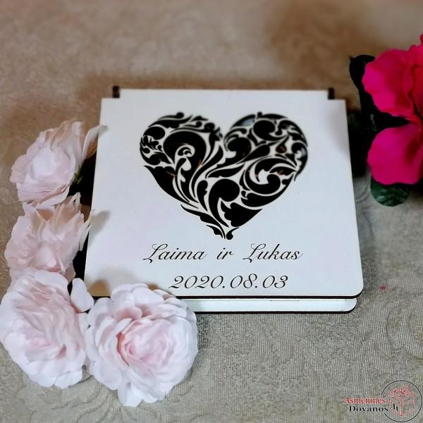 """Vestuvinių žiedų dėžutė """"viena širdis"""""""