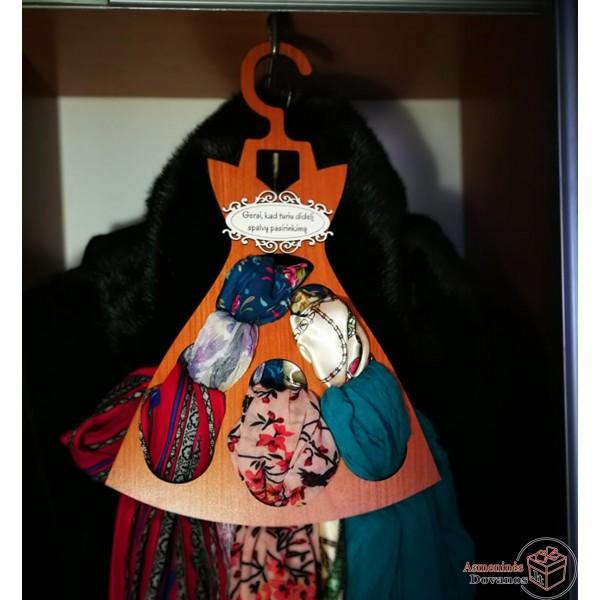 Kaklaskarių - diržų kabykla