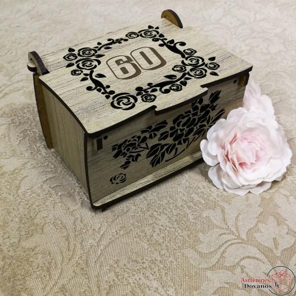 """Graviruota dėžutė """"Rožė"""""""